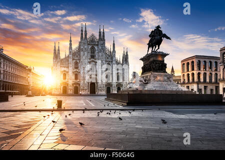 Duomo de Milan, au lever du soleil, l'Europe. Banque D'Images