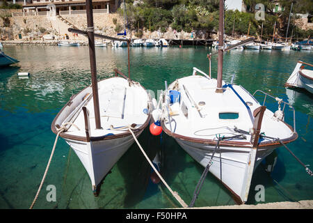 Bateaux dans le port de Cala Figueira, Majorque