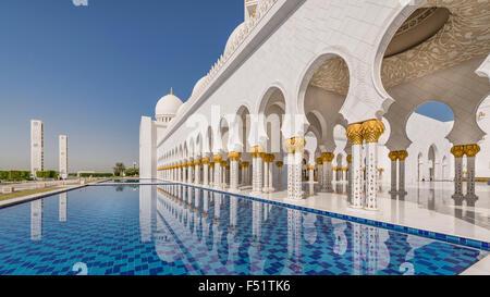 Grande Mosquée de Sheikh Zayed, Abu Dhabi, Emirats Arabes Unis. Banque D'Images
