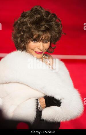 Londres, Royaume-Uni. 26 octobre, 2015. L'actrice Joan Collins. CTBF Royal Film Performance, première mondiale du Banque D'Images