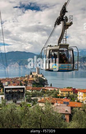 Téléphérique de Monte Baldo, Malcesine, sur le lac de Garde, Vénétie, Italie Banque D'Images