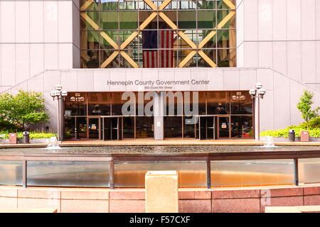 Le gouvernement du Comté de Hennepin Center gratte-ciel sur la 6e rue au centre-ville de Minneapolis MN Banque D'Images