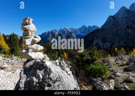 La tour de pierre en slovène alpes près de Vrsic
