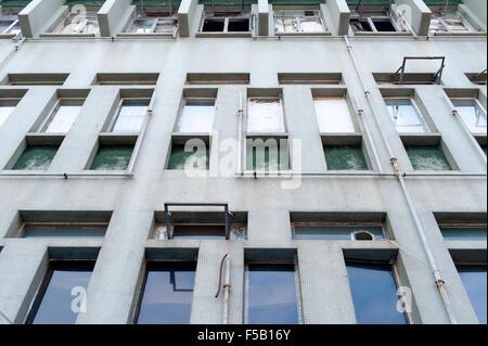 Vue extérieure d'un ancien bâtiment industriel wall Banque D'Images