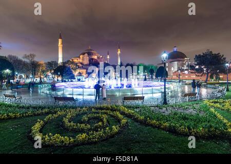 Sainte-sophie, Sultan Ahmet Park, fontaine, Istanbul, côté européen, Turquie Banque D'Images