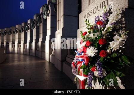 Fleurs et World War II Memorial, Washington, District de Columbia USA