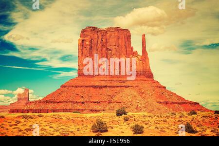 Style vieux film photo de Monument Valley Navajo Tribal Park, Utah, USA. Banque D'Images