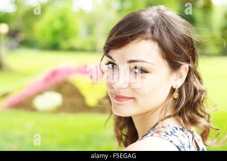 Portrait of a woman smiling Banque D'Images