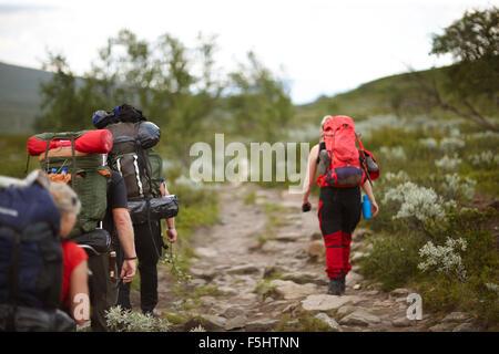 La Suède, la randonnée, les gens Jamtland avec sacs à dos Banque D'Images