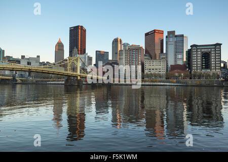 Le centre-ville de la rivière Allegheny PITTSBURGH PENNSYLVANIA USA Banque D'Images