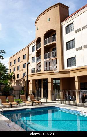 Stuart Floride Courtyard by Marriott hôtel motel à l'extérieur piscine extérieure Banque D'Images