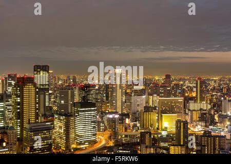 Osaka Vue sur l'horizon du jardin suspendu à l'Umeda Sky Building Banque D'Images