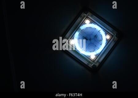 Une belle maison de décoration et d'éclairage LED et d'énergie Banque D'Images