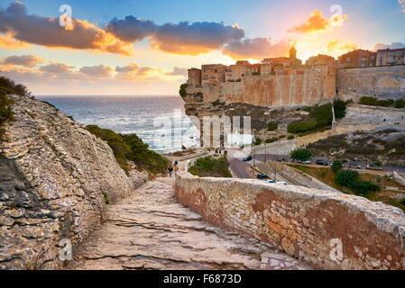 Corse - Bonifacio à l'heure du coucher du soleil, France Banque D'Images