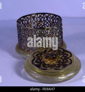 Babiole,pot ajouré,silver,faitout avec couvercle, verre, Banque D'Images
