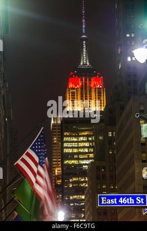 Empire State Building en allemand couleur du drapeau Banque D'Images