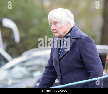 Londres, le 25 novembre, 2015, Shirley Vivian Teresa Brittain Williams, Baroness Williams de Crosby, sur son chemin Banque D'Images