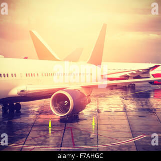 Vintage photo filtrée d'un aéroport, Transports et déplacements concept.
