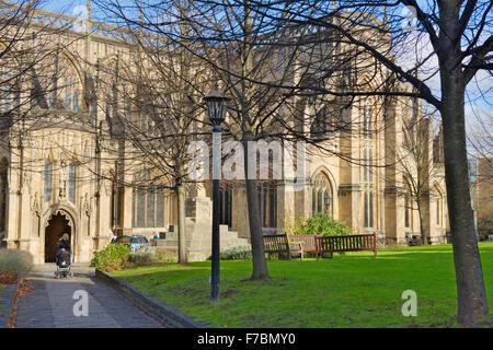 L'église paroissiale de St Mary Redcliffe côté sud, Bristol, Angleterre
