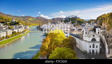 Vue aérienne de la vieille ville de Salzbourg, Autriche Banque D'Images