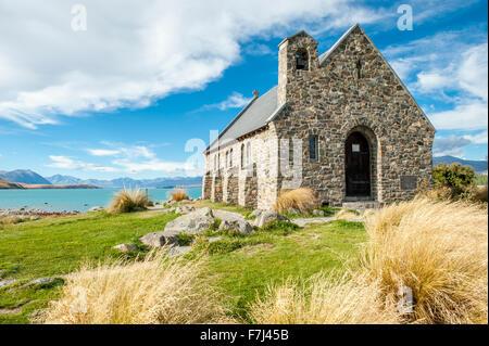 Jour de vent à l'Église du Bon Pasteur, Lake Tekapo, Nouvelle-Zélande Banque D'Images