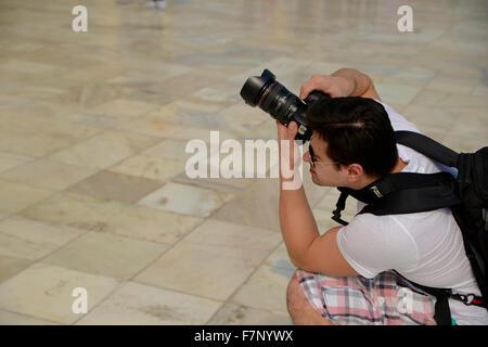 Photographe de tourisme de prendre la photo d'Architecture Taj Mahal Banque D'Images