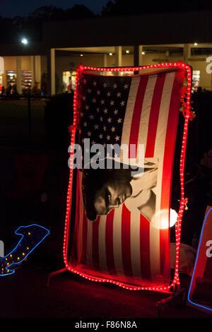 Au cours de la vigile de nuit, semaine Elvis Graceland, Memphis, Tennessee, États-Unis Banque D'Images