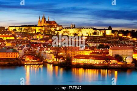 La Cathédrale Saint-Guy et le quartier du château, la vieille ville de Prague, République Tchèque
