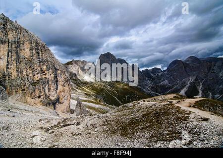 Belles montagnes des Dolomites en Italie à
