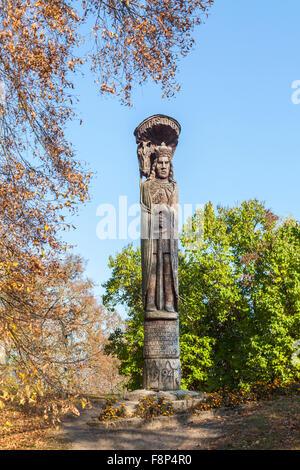 Memorial statue en bois de Vytautas le Grand, souverain du Grand-duché de Lituanie, dans le parc de château de Trakai, Banque D'Images