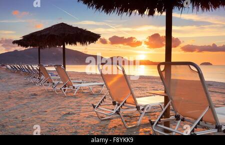 L'île de Zakynthos, Grèce - Mer Ionienne, la plage de Laganas au lever du soleil Banque D'Images