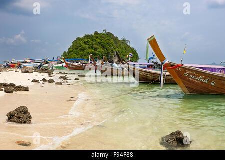 Plage sur l'île de Tup (également connu sous le nom de remous, île de Koh Touchez ou Koh Thap). La province de Krabi, Banque D'Images