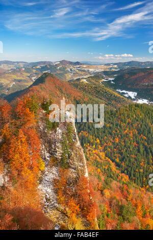 Montagnes Pieniny, vue de Trzy Korony Peak, Pologne Banque D'Images