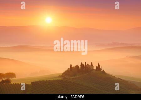 Paysages de la Toscane le lever du soleil, Val d'orcia, Italie Banque D'Images