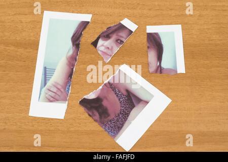 Photo polaroid déchiré d'une femme Banque D'Images
