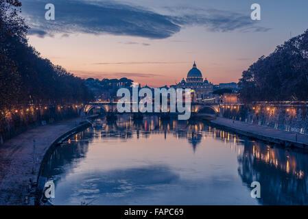 Rome, Italie: la Basilique Saint Pierre et Saint Angelo Bridge Banque D'Images