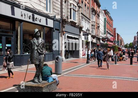 Statue en bronze de James Joyce sur North Earl Street, Dublin, Irlande Banque D'Images