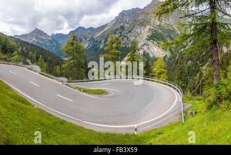 Col Majola, el. 1,185 m, Alpes suisses, de Saint-Moritz, en Engadine, Grisons, Suisse, Grisons Banque D'Images