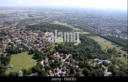 Vue aérienne de Repton, loisirs Virgin Active Park & Claybury Park, Woodford Green, Essex, UK