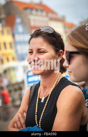 Danemark, copenhague, Portrait of young woman smiling Banque D'Images