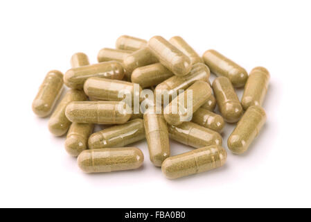 Capsules de phytothérapie isolated on white Banque D'Images