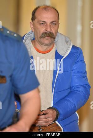 Cour de traiter avec l'extradition de Petr Karlik (photo), soupçonné de participation au transport illicite de migrants Banque D'Images