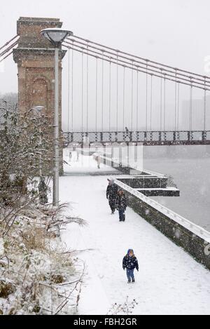 Glasgow, Ecosse, Royaume-Uni. 16 janvier, 2016. Première neige de Glasgow de l'année a continué pendant plusieurs Banque D'Images