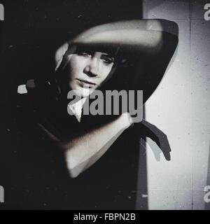Portrait Portrait de belle jeune femme Banque D'Images