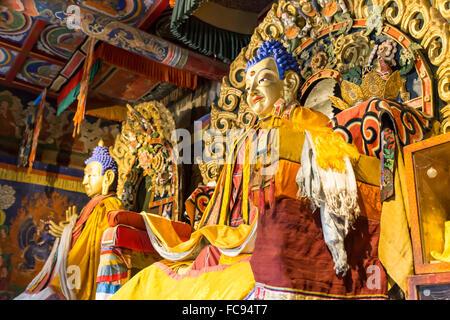 Golden Buddha statues, Baruun Zuu temple, Zuu Khiid, Monastère, Kharkhorin (Karakorum), Centre de la Mongolie, l'Asie Banque D'Images