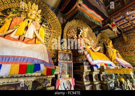 Abida, Saint Enfant Bouddha et Otoch Manal, Zuu de Bouddha, temple d'Erdene Zuu Khiid, Monastère, Kharkhorin (Karakorum), Banque D'Images