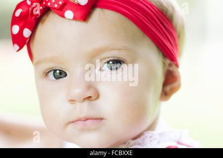Portrait Portrait d'un joli bébé fille Banque D'Images
