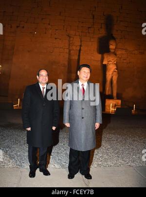 Louxor, Le Caire, Égypte. 21 Jan, 2016. Le président égyptien, Abdel Fattah al-Sisi et le président chinois Xi Jinping Banque D'Images