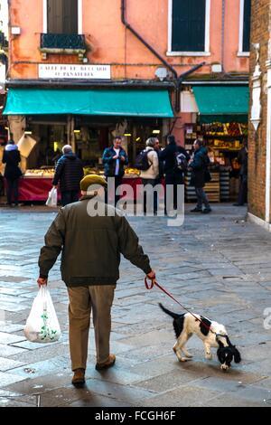 Marché aux poissons du Rialto à Venise, Italie. Banque D'Images