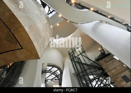 Musée Guggenheim conçu par l'architecte Frank Gehry, Bilbao, province de Biscaye, Pays Basque, Espagne, Europe. Banque D'Images
